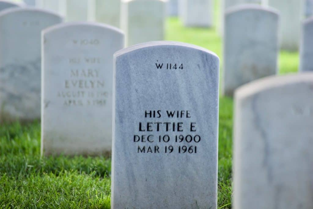 Add wording to existing headstone